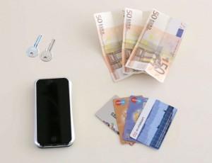 iShove Wallet – iPhone 5/5S Wallet Case met pasjesstandaard